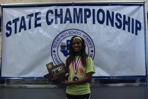 Senior wins state powerlifting