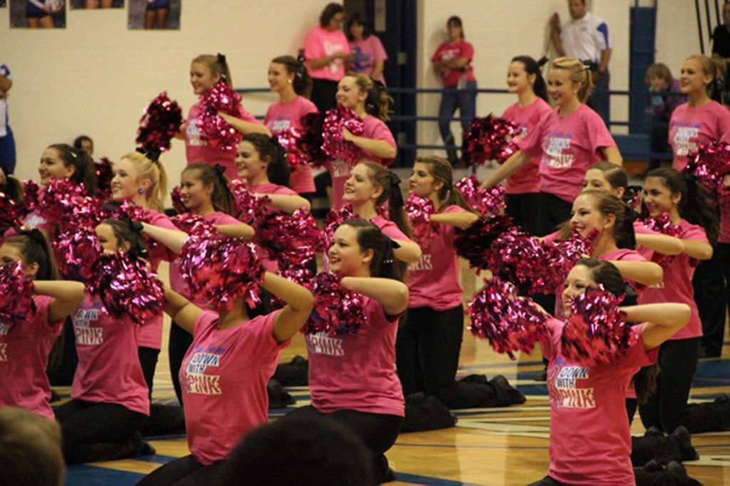 Lindale+ISD+Pink+Out+Raises+More+Than+%2410%2C000+for+Breast+Cancer+Outreach+Programs