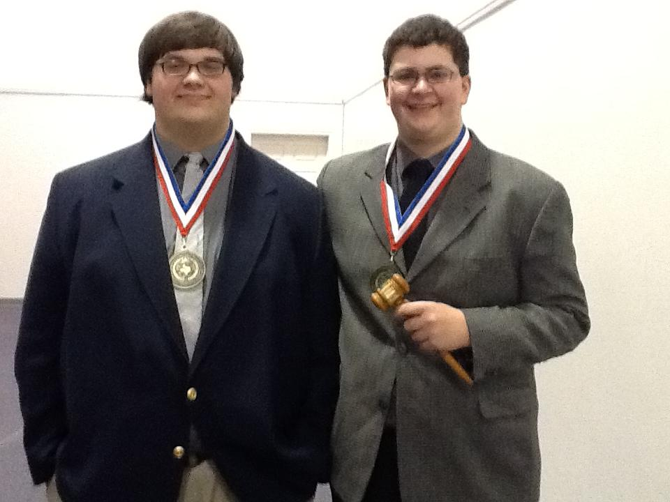 Lindale+Sweeps+Cross-Examination+Debate+at+District+Competition