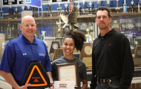Lindale High School Senior Wins Good Neighbor Award