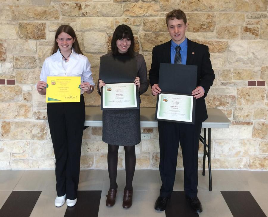 Two Lindale High School students win regional speech contest
