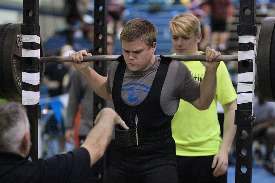 State Qualifier lifts his first attempt on squat with ease.