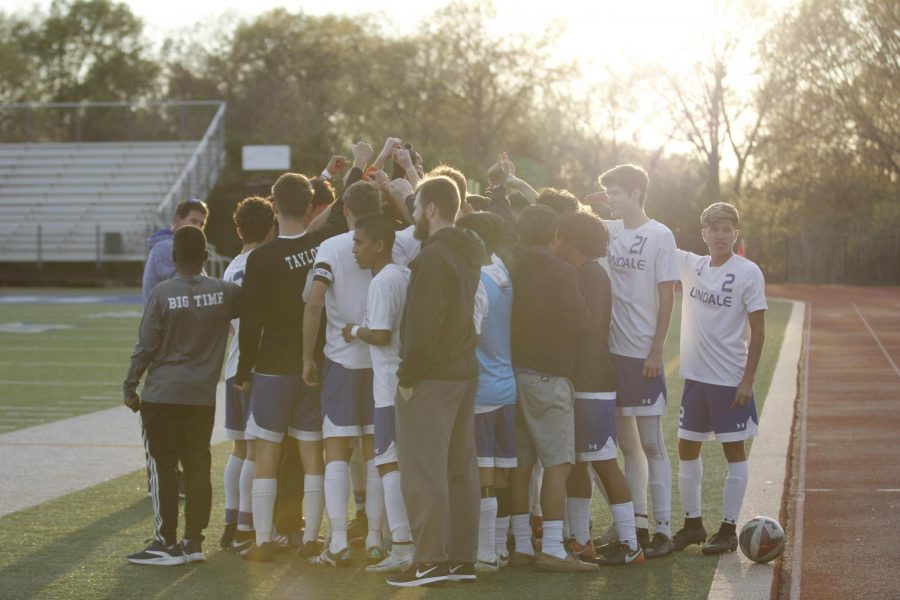 Vars_BoysSoccer_March20_EmilyM_0540