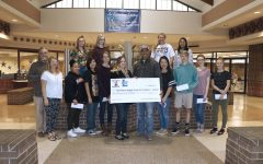 Red Baron Awards Prize Money to Art Students