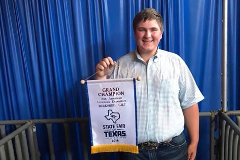 Junior Wins State Fair With Prize Pig