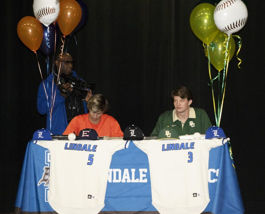 Seniors Jacob Philpot and Theron Brown sign to play baseball in college.
