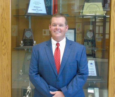Lindale Alum Returns To High School As Principal