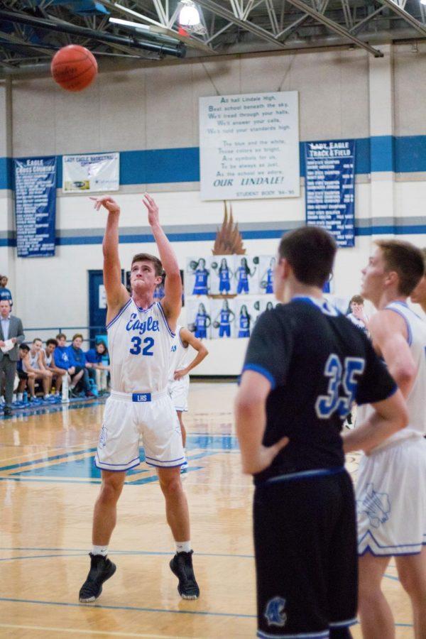 Senior Achieves 1000 Career Basketball Points