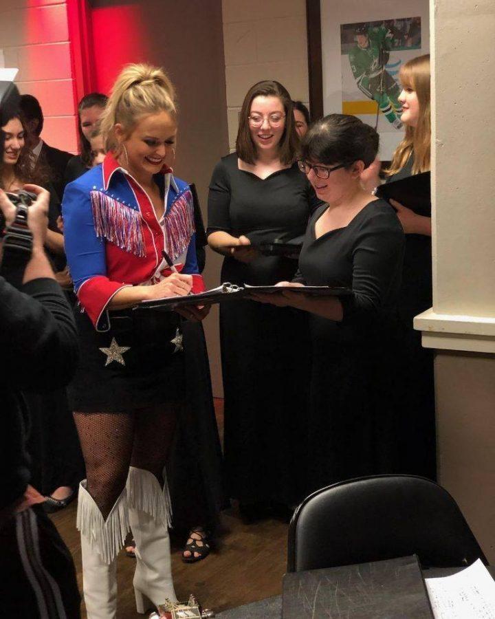 Chorale Performs with Lindale Alumna Miranda Lambert