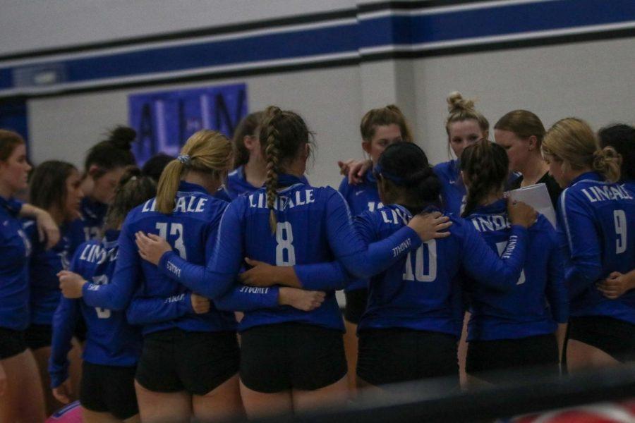 Lady Eagles Varsity Volleyball on 17-0 Streak