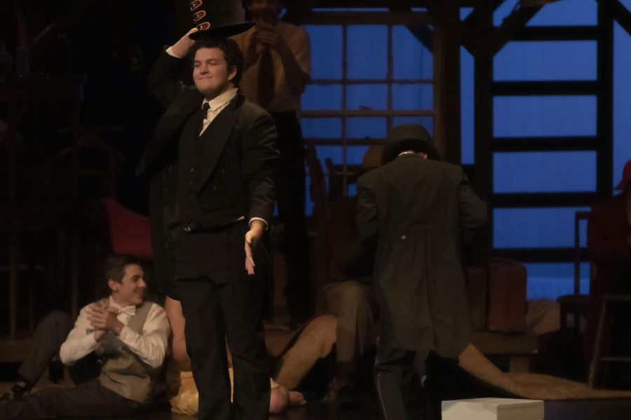 Senior+Kaleb+Cole+performs+in+the+fall+production+of+%2739+Steps%27.+