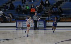 Lady Eagles Tied for 1st At Mid-Season
