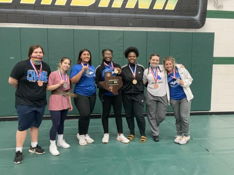 Girls Powerlifting Medal at State
