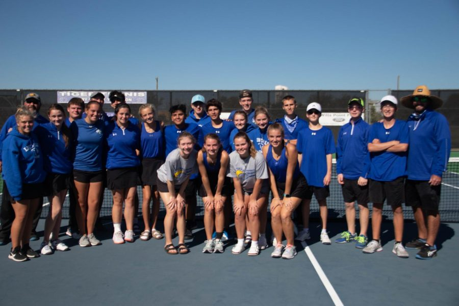 Tennis Wins Overall District Championship
